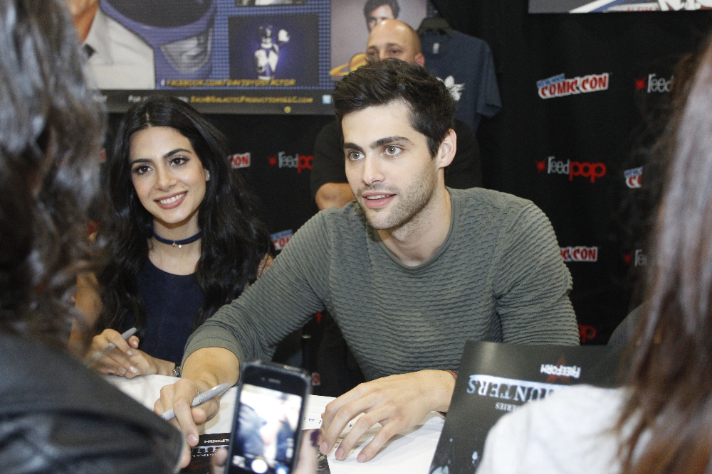 Shadowhunters - The Shadowhunters Stars Were At NYCC And We've Got The Photos To Prove It! - 1005