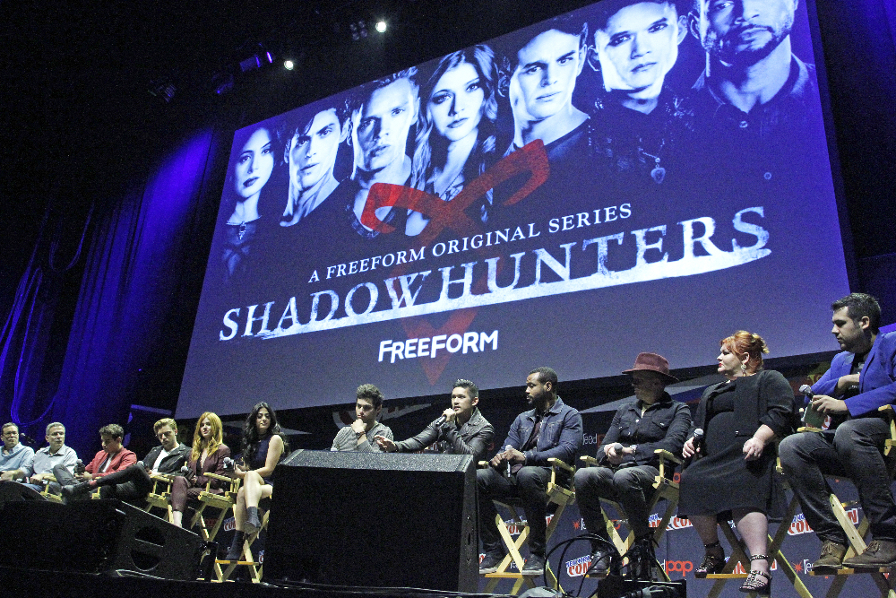 Shadowhunters - The Shadowhunters Stars Were At NYCC And We've Got The Photos To Prove It! - 1012