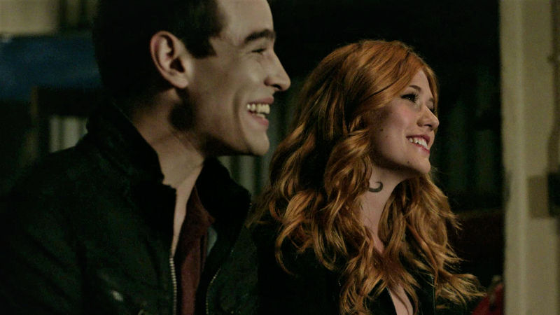 Shadowhunters - 14 Moments From Episode 201 That Will Make You Laugh And Then Cry Hysterically - Thumb