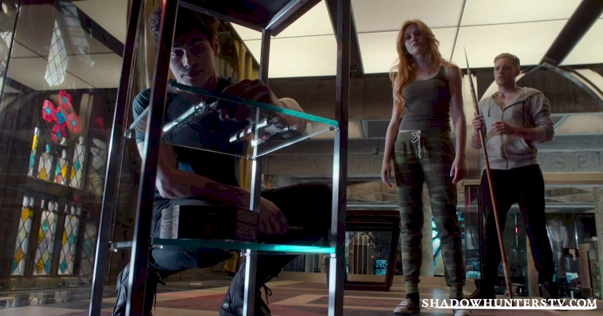 Shadowhunters - 30 Big Things We Learned From Episode Five - 1002