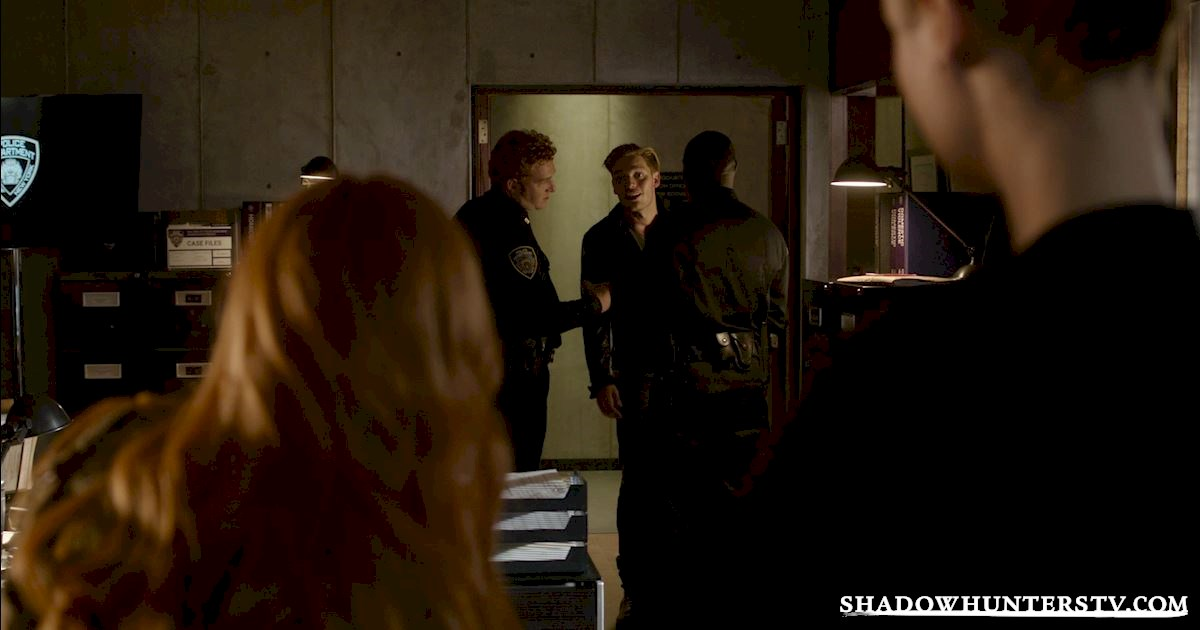 "Shadowhunters - Episode 107: ""Major Arcana"" Official Recap - 1009"