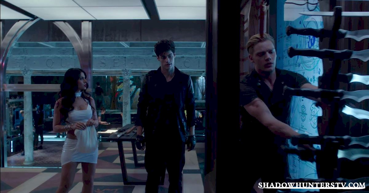 Shadowhunters - Shadowhunters: An Essential Guide To All Things Shadow World - 1002