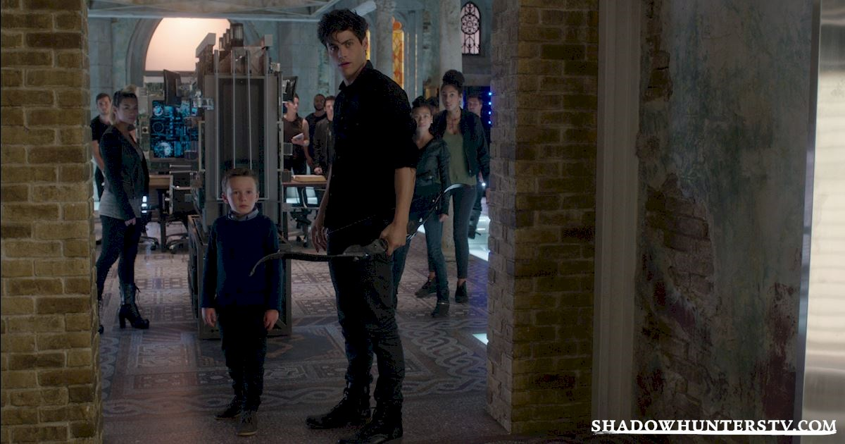 "Shadowhunters - Episode 108: ""Bad Blood"" Official Recap! - 1006"