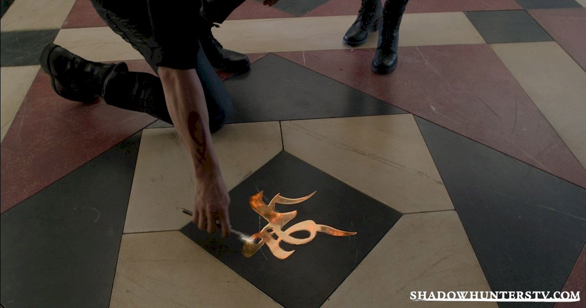 Shadowhunters - 15 Things You Might Have Missed From Episode Eight! - 1003