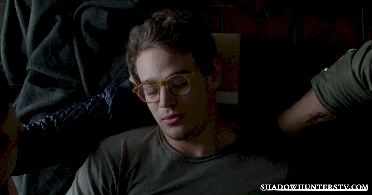 Shadowhunters - 15 Things You Might Have Missed From Episode Eight! - 1004