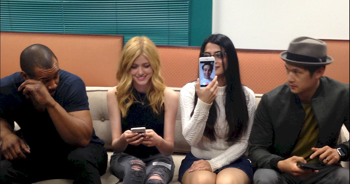 Shadowhunters - Follow Along with Our Live Chat!  - 1003