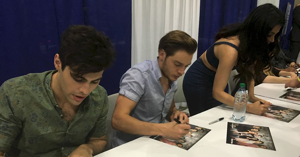 Shadowhunters - Live Updates! The Shadowhunters Cast at WonderCon! - 1014