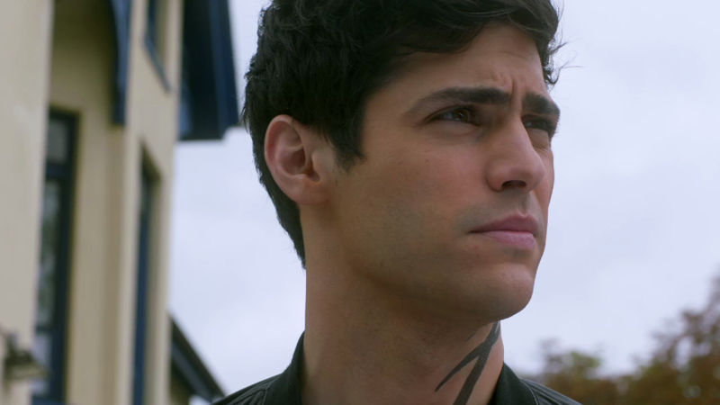 Shadowhunters - 9 Awesome Things You Might Have Missed In Episode 202 - Thumb